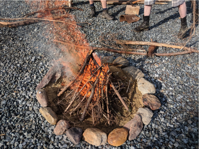 Lagerfeuer-Gemeinschaft